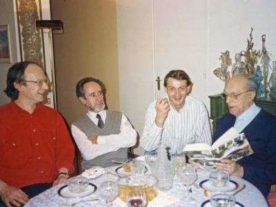 L.-P. Guigues lisant à Guy Goffette et Henri Raynal.
